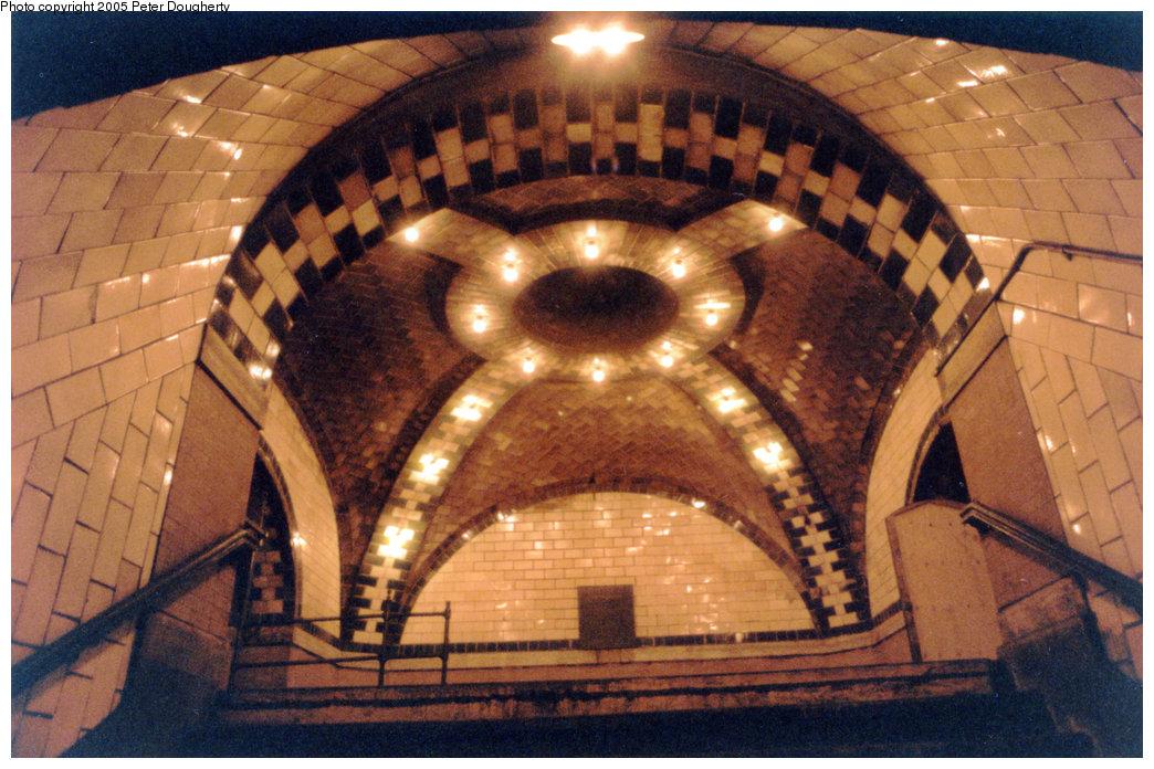 (220k, 1044x696)<br><b>Country:</b> United States<br><b>City:</b> New York<br><b>System:</b> New York City Transit<br><b>Line:</b> IRT East Side Line<br><b>Location:</b> City Hall <br><b>Photo by:</b> Peter Dougherty<br><b>Date:</b> 7/1996<br><b>Notes:</b> Ascending the staircase to the mezzanine level<br><b>Viewed (this week/total):</b> 3 / 14282