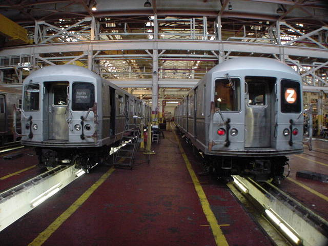 (60k, 640x480)<br><b>Country:</b> United States<br><b>City:</b> New York<br><b>System:</b> New York City Transit<br><b>Location:</b> Coney Island Shop/Overhaul & Repair Shop<br><b>Car:</b> R-40M (St. Louis, 1969)   <br><b>Photo by:</b> Salaam Allah<br><b>Date:</b> 10/29/2000<br><b>Viewed (this week/total):</b> 0 / 4097