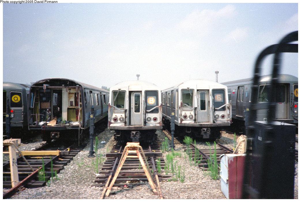 (202k, 1044x702)<br><b>Country:</b> United States<br><b>City:</b> New York<br><b>System:</b> New York City Transit<br><b>Location:</b> Coney Island Yard<br><b>Car:</b> R-44 (St. Louis, 1971-73) 288 <br><b>Photo by:</b> David Pirmann<br><b>Date:</b> 7/23/1995<br><b>Notes:</b> View of yard tracks from loop track-- R44 288 on left<br><b>Viewed (this week/total):</b> 0 / 15057