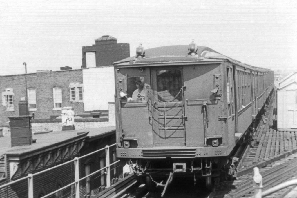 (214k, 1024x683)<br><b>Country:</b> United States<br><b>City:</b> New York<br><b>System:</b> New York City Transit<br><b>Line:</b> BMT Myrtle Avenue Line<br><b>Location:</b> Broadway/Myrtle Avenue (Upper Level) <br><b>Car:</b> BMT Q  <br><b>Photo by:</b> Harry Pinsker<br><b>Viewed (this week/total):</b> 0 / 5525