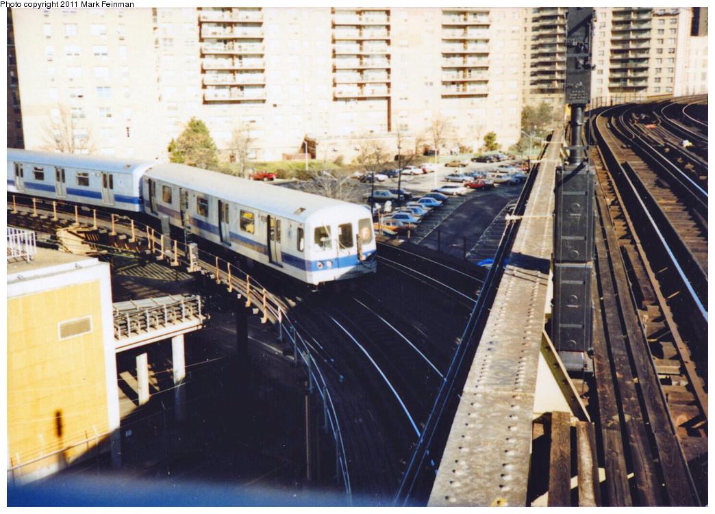 (416k, 1044x751)<br><b>Country:</b> United States<br><b>City:</b> New York<br><b>System:</b> New York City Transit<br><b>Line:</b> BMT Culver Line<br><b>Location:</b> West 8th Street <br><b>Car:</b> R-46 (Pullman-Standard, 1974-75)  <br><b>Photo by:</b> Mark S. Feinman<br><b>Date:</b> 11/22/1989<br><b>Notes:</b> Original Blue Stripe Paint Scheme<br><b>Viewed (this week/total):</b> 4 / 6478