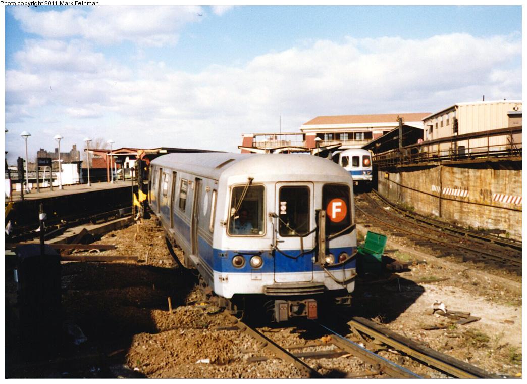 (394k, 1044x760)<br><b>Country:</b> United States<br><b>City:</b> New York<br><b>System:</b> New York City Transit<br><b>Location:</b> Coney Island/Stillwell Avenue<br><b>Route:</b> F<br><b>Car:</b> R-46 (Pullman-Standard, 1974-75)  <br><b>Photo by:</b> Mark S. Feinman<br><b>Date:</b> 11/22/1989<br><b>Notes:</b> Original Blue Stripe Paint Scheme<br><b>Viewed (this week/total):</b> 5 / 7971