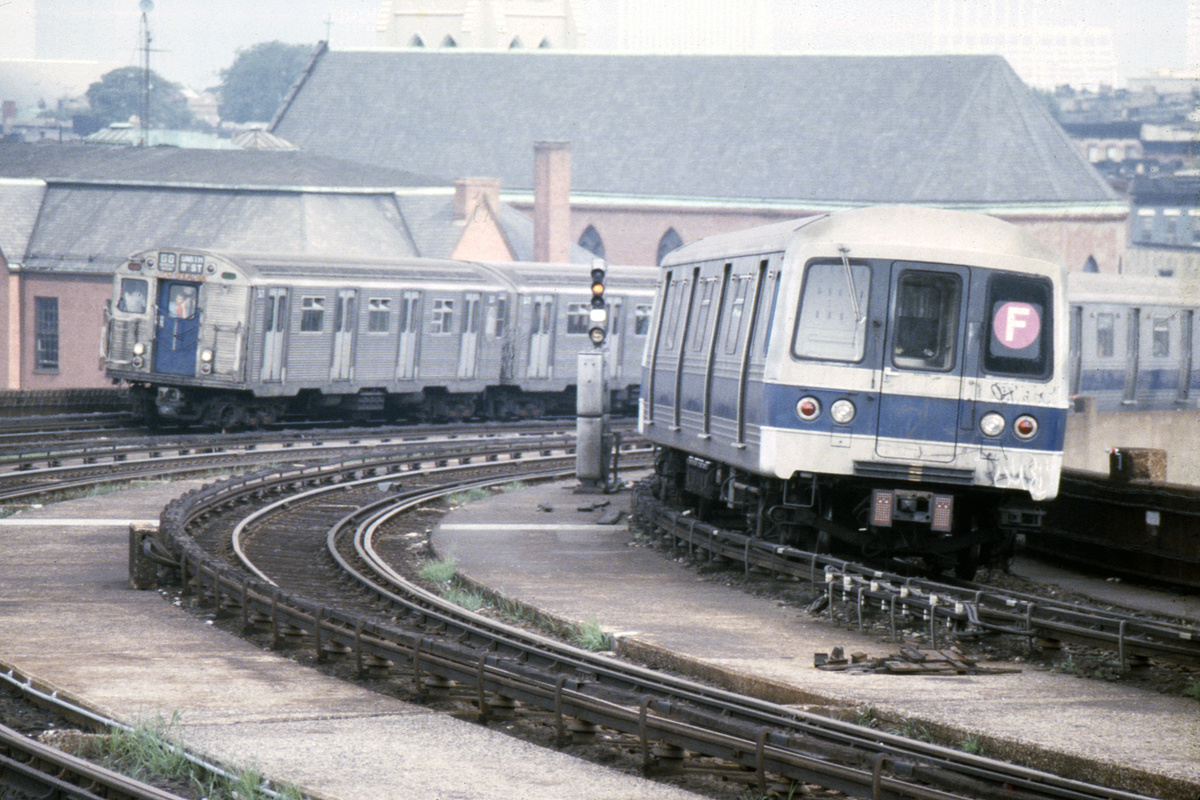 (500k, 1024x683)<br><b>Country:</b> United States<br><b>City:</b> New York<br><b>System:</b> New York City Transit<br><b>Line:</b> IND Crosstown Line<br><b>Location:</b> Smith/9th Street <br><b>Route:</b> F<br><b>Car:</b> R-46 (Pullman-Standard, 1974-75)  <br><b>Photo by:</b> Steve Hoskins<br><b>Collection of:</b> David Pirmann<br><b>Date:</b> 8/1979<br><b>Viewed (this week/total):</b> 0 / 7278