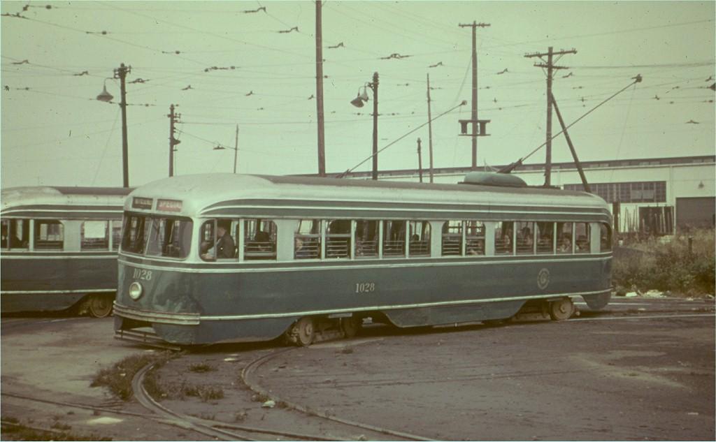 (135k, 1024x633)<br><b>Country:</b> United States<br><b>City:</b> New York<br><b>System:</b> Brooklyn & Queens Transit<br><b>Line:</b> 35/Church <br><b>Location:</b> 39th St/1st Ave - 39th Ferry Loop <br><b>Car:</b> Brooklyn & Queens Transit PCC (St. Louis Car, 1936)  1028 <br><b>Collection of:</b> Joe Testagrose<br><b>Date:</b> 10/27/1956<br><b>Viewed (this week/total):</b> 0 / 2500
