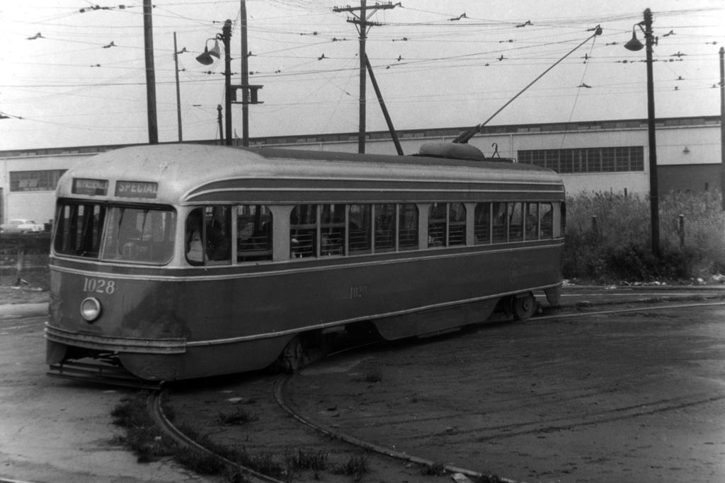 (211k, 1024x683)<br><b>Country:</b> United States<br><b>City:</b> New York<br><b>System:</b> Brooklyn & Queens Transit<br><b>Line:</b> 35/Church <br><b>Location:</b> 39th St/1st Ave - 39th Ferry Loop <br><b>Car:</b> Brooklyn & Queens Transit PCC (St. Louis Car, 1936)  1028 <br><b>Collection of:</b> David Pirmann<br><b>Date:</b> 10/27/1956<br><b>Viewed (this week/total):</b> 3 / 1793