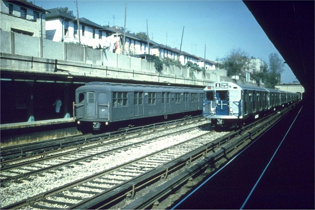 (238k, 1024x681)<br><b>Country:</b> United States<br><b>City:</b> New York<br><b>System:</b> New York City Transit<br><b>Line:</b> BMT Sea Beach Line<br><b>Location:</b> 18th Avenue <br><b>Car:</b> BMT A/B-Type Standard 2499 <br><b>Collection of:</b> Joe Testagrose<br><b>Date:</b> 1964<br><b>Viewed (this week/total):</b> 2 / 3909