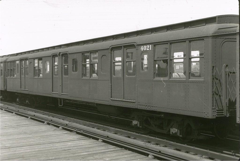 (174k, 1024x687)<br><b>Country:</b> United States<br><b>City:</b> New York<br><b>System:</b> New York City Transit<br><b>Line:</b> BMT West End Line<br><b>Location:</b> 18th Avenue <br><b>Car:</b> BMT A/B-Type Standard 4021 <br><b>Photo by:</b> Harry Pinsker<br><b>Date:</b> 6/30/1959<br><b>Viewed (this week/total):</b> 3 / 3651