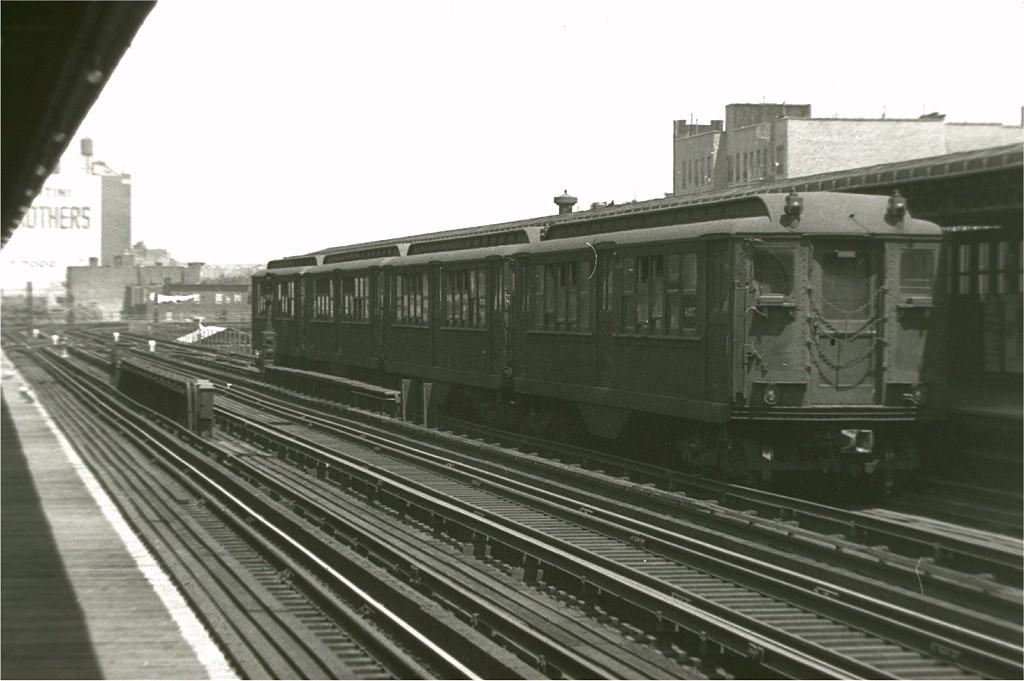 (145k, 1024x681)<br><b>Country:</b> United States<br><b>City:</b> New York<br><b>System:</b> New York City Transit<br><b>Line:</b> IRT Woodlawn Line<br><b>Location:</b> 167th Street <br><b>Car:</b> Low-V 4217 <br><b>Photo by:</b> Harry Pinsker<br><b>Date:</b> 8/1958<br><b>Notes:</b> Four car train on Polo Grounds shuttle<br><b>Viewed (this week/total):</b> 1 / 3566