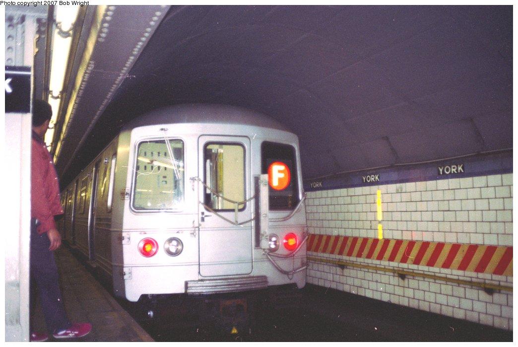 (122k, 1044x699)<br><b>Country:</b> United States<br><b>City:</b> New York<br><b>System:</b> New York City Transit<br><b>Line:</b> IND 6th Avenue Line<br><b>Location:</b> York Street <br><b>Route:</b> F<br><b>Car:</b> R-46 (Pullman-Standard, 1974-75)  <br><b>Photo by:</b> Bob Wright<br><b>Date:</b> 11/10/1991<br><b>Viewed (this week/total):</b> 6 / 4096