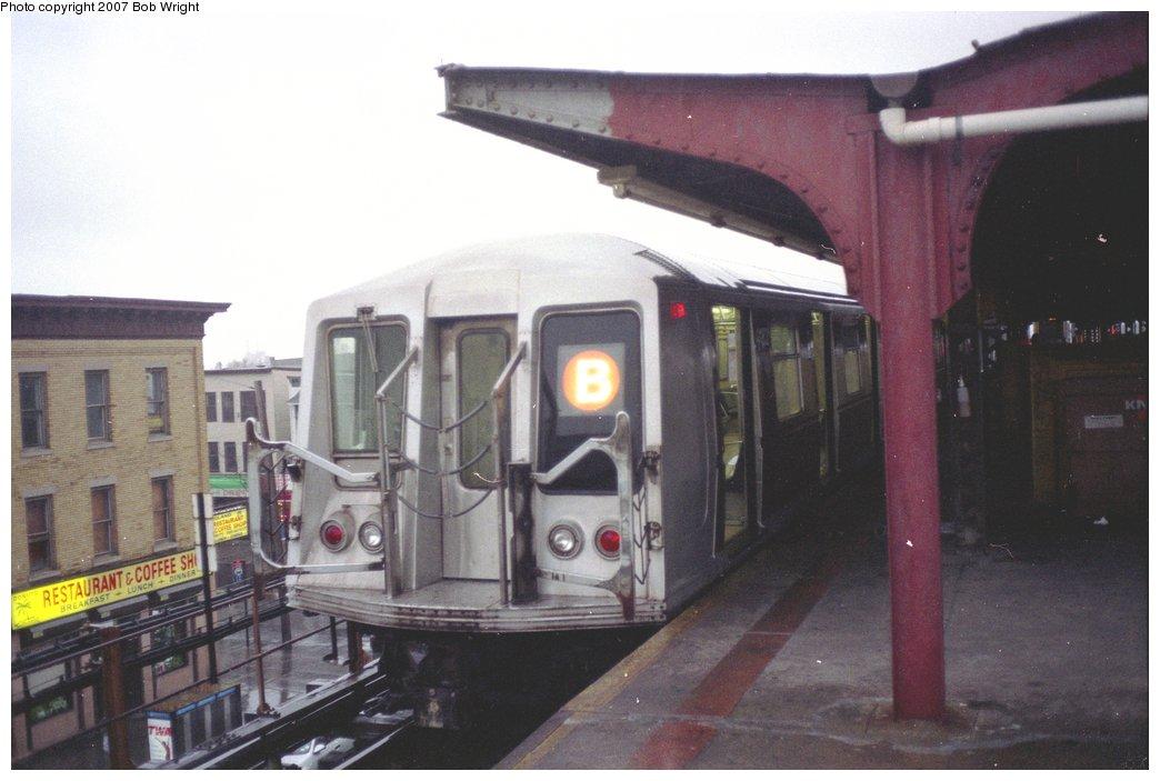 (114k, 1044x703)<br><b>Country:</b> United States<br><b>City:</b> New York<br><b>System:</b> New York City Transit<br><b>Line:</b> BMT West End Line<br><b>Location:</b> Coney Island/Stillwell Avenue<br><b>Route:</b> B<br><b>Car:</b> R-40 (St. Louis, 1968)  4182 <br><b>Photo by:</b> Bob Wright<br><b>Date:</b> 11/10/1991<br><b>Viewed (this week/total):</b> 0 / 3706