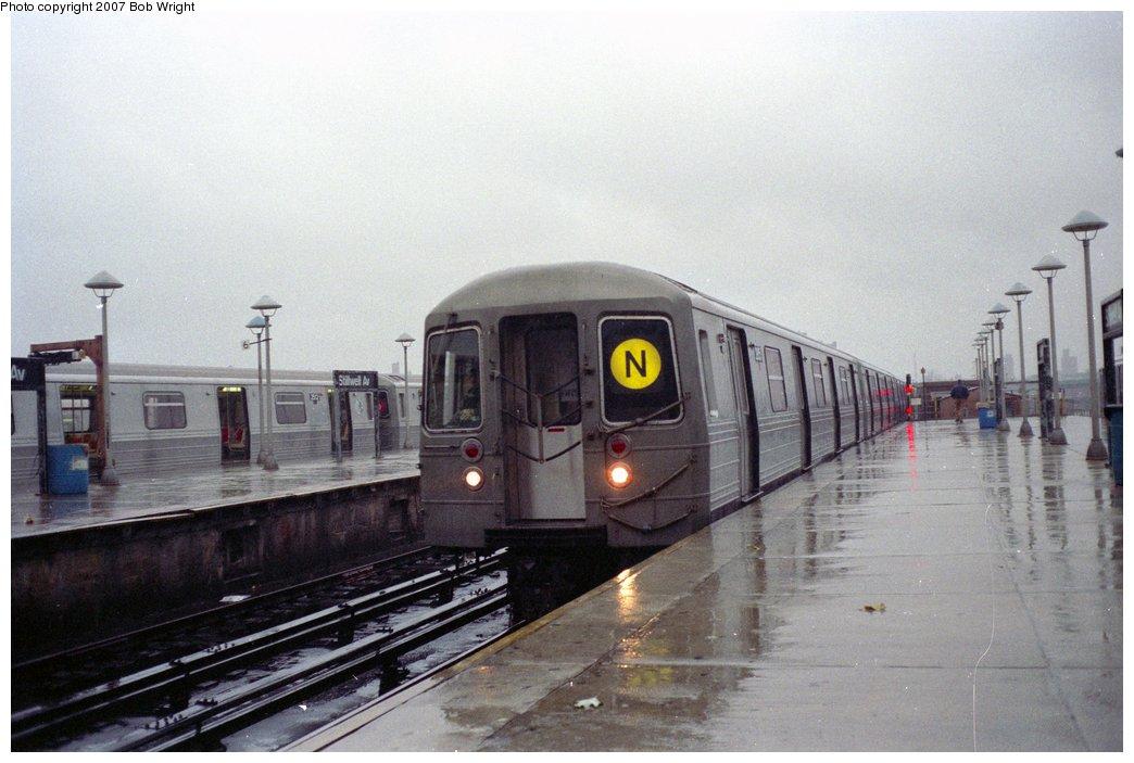 (128k, 1044x703)<br><b>Country:</b> United States<br><b>City:</b> New York<br><b>System:</b> New York City Transit<br><b>Location:</b> Coney Island/Stillwell Avenue<br><b>Route:</b> N<br><b>Car:</b> R-68 (Westinghouse-Amrail, 1986-1988)   <br><b>Photo by:</b> Bob Wright<br><b>Date:</b> 11/10/1991<br><b>Viewed (this week/total):</b> 1 / 4304