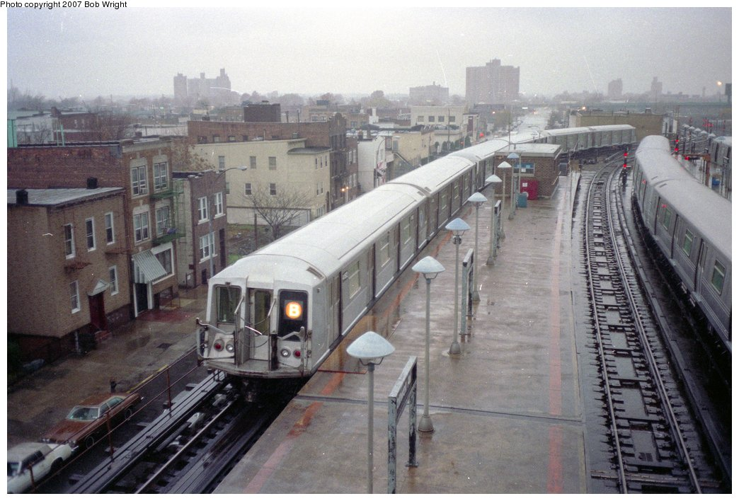 (153k, 1044x708)<br><b>Country:</b> United States<br><b>City:</b> New York<br><b>System:</b> New York City Transit<br><b>Location:</b> Coney Island/Stillwell Avenue<br><b>Route:</b> B<br><b>Car:</b> R-40 (St. Louis, 1968)  4152 <br><b>Photo by:</b> Bob Wright<br><b>Date:</b> 11/10/1991<br><b>Viewed (this week/total):</b> 1 / 4252
