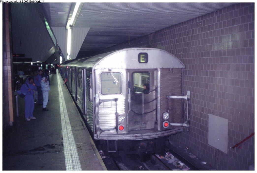 (133k, 1044x702)<br><b>Country:</b> United States<br><b>City:</b> New York<br><b>System:</b> New York City Transit<br><b>Line:</b> IND Queens Boulevard Line<br><b>Location:</b> Jamaica Center/Parsons-Archer <br><b>Route:</b> E<br><b>Car:</b> R-32 (Budd, 1964)   <br><b>Photo by:</b> Bob Wright<br><b>Date:</b> 11/10/1991<br><b>Viewed (this week/total):</b> 1 / 4452
