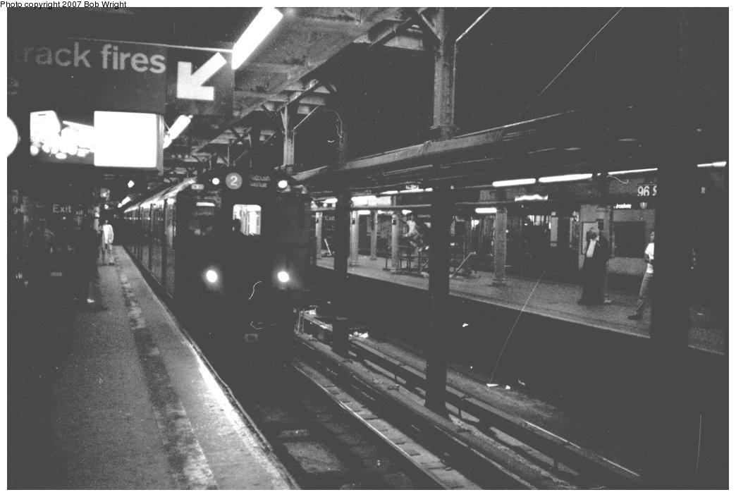 (94k, 1044x705)<br><b>Country:</b> United States<br><b>City:</b> New York<br><b>System:</b> New York City Transit<br><b>Line:</b> IRT West Side Line<br><b>Location:</b> 96th Street <br><b>Photo by:</b> Bob Wright<br><b>Date:</b> 5/24/1987<br><b>Viewed (this week/total):</b> 1 / 2348