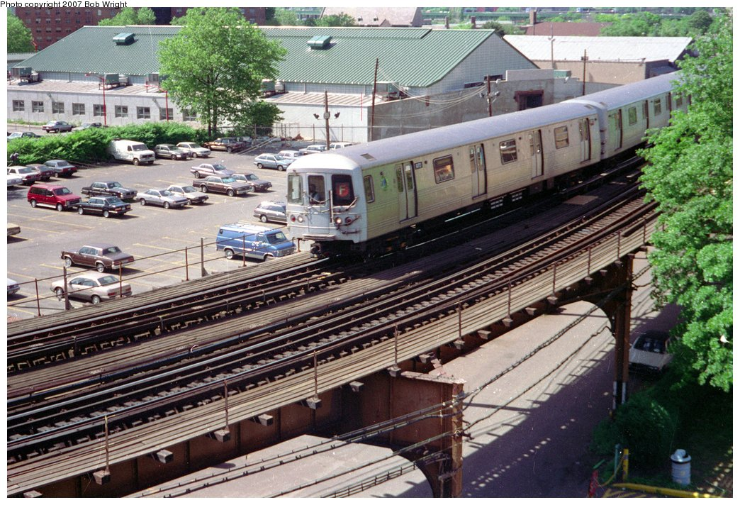 (219k, 1044x712)<br><b>Country:</b> United States<br><b>City:</b> New York<br><b>System:</b> New York City Transit<br><b>Line:</b> BMT Culver Line<br><b>Location:</b> West 8th Street <br><b>Route:</b> F<br><b>Car:</b> R-46 (Pullman-Standard, 1974-75) 970 <br><b>Photo by:</b> Bob Wright<br><b>Date:</b> 5/30/1993<br><b>Viewed (this week/total):</b> 2 / 3622