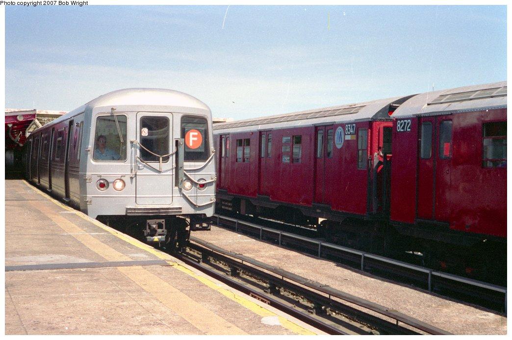 (141k, 1044x694)<br><b>Country:</b> United States<br><b>City:</b> New York<br><b>System:</b> New York City Transit<br><b>Line:</b> IND Crosstown Line<br><b>Location:</b> Smith/9th Street <br><b>Route:</b> Fan Trip<br><b>Car:</b> R-30 (St. Louis, 1961) 8347 <br><b>Photo by:</b> Bob Wright<br><b>Date:</b> 5/30/1993<br><b>Viewed (this week/total):</b> 4 / 3173