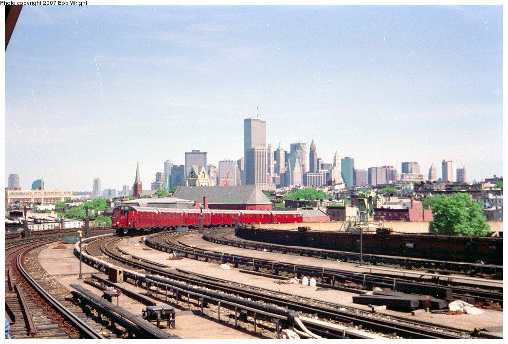 (168k, 1044x707)<br><b>Country:</b> United States<br><b>City:</b> New York<br><b>System:</b> New York City Transit<br><b>Line:</b> IND Crosstown Line<br><b>Location:</b> Smith/9th Street <br><b>Route:</b> Fan Trip<br><b>Car:</b> R-30 (St. Louis, 1961) 8317 <br><b>Photo by:</b> Bob Wright<br><b>Date:</b> 5/30/1993<br><b>Viewed (this week/total):</b> 3 / 3299