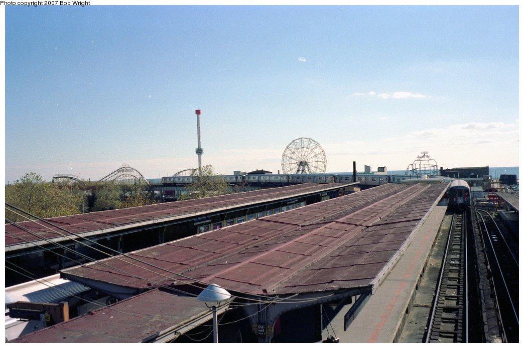 (146k, 1044x695)<br><b>Country:</b> United States<br><b>City:</b> New York<br><b>System:</b> New York City Transit<br><b>Location:</b> Coney Island/Stillwell Avenue<br><b>Photo by:</b> Bob Wright<br><b>Date:</b> 11/1988<br><b>Viewed (this week/total):</b> 1 / 1441