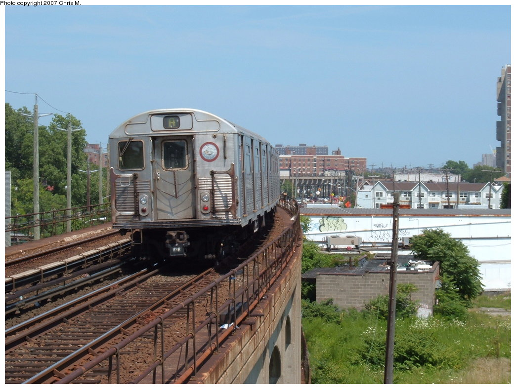 (196k, 1044x788)<br><b>Country:</b> United States<br><b>City:</b> New York<br><b>System:</b> New York City Transit<br><b>Line:</b> IND Rockaway<br><b>Location:</b> Beach 67th Street/Gaston Avenue <br><b>Route:</b> A<br><b>Car:</b> R-38 (St. Louis, 1966-1967)   <br><b>Photo by:</b> Chris M.<br><b>Date:</b> 7/27/2007<br><b>Viewed (this week/total):</b> 0 / 2172
