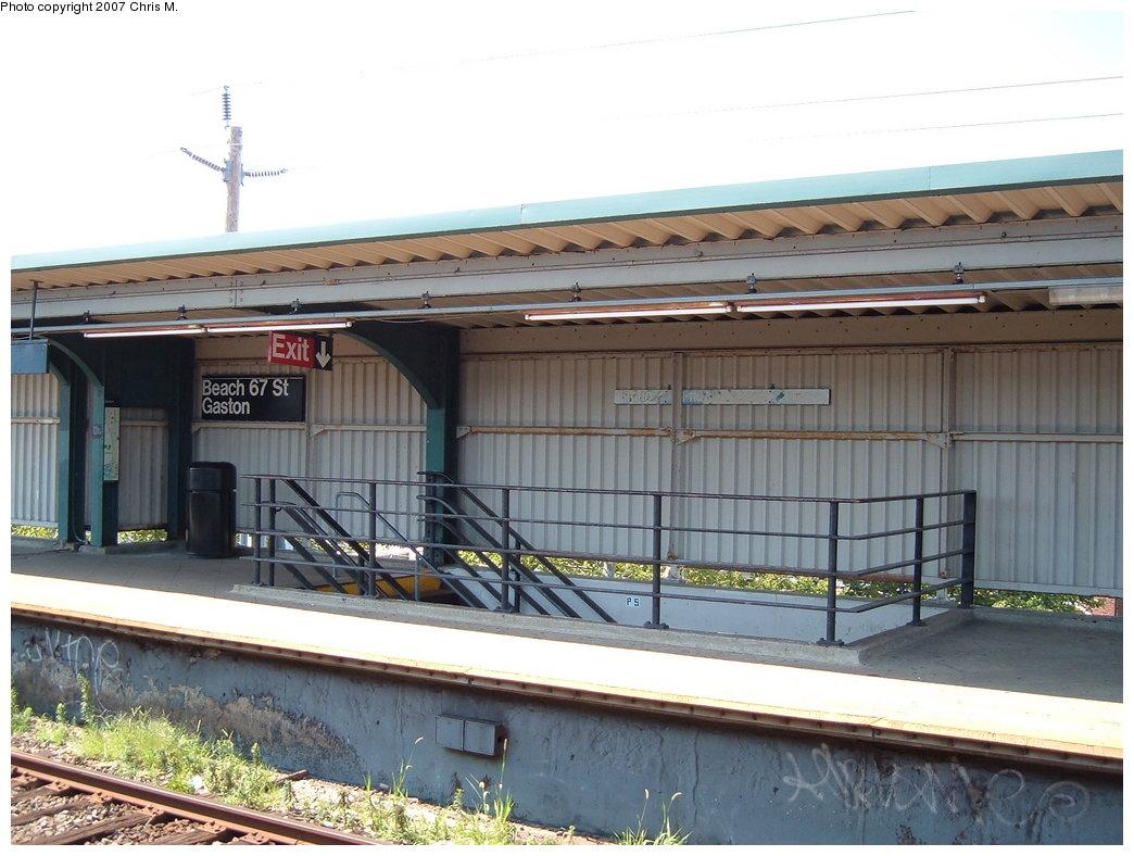 (174k, 1044x788)<br><b>Country:</b> United States<br><b>City:</b> New York<br><b>System:</b> New York City Transit<br><b>Line:</b> IND Rockaway<br><b>Location:</b> Beach 67th Street/Gaston Avenue <br><b>Photo by:</b> Chris M.<br><b>Date:</b> 7/27/2007<br><b>Viewed (this week/total):</b> 1 / 905