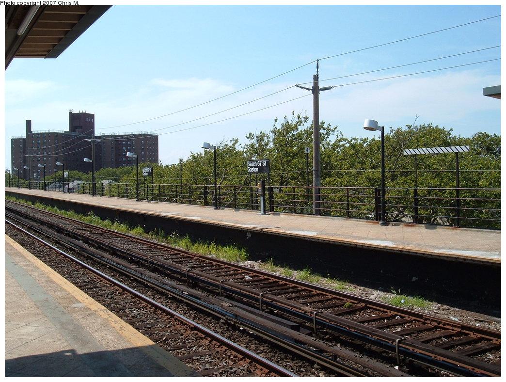 (238k, 1044x788)<br><b>Country:</b> United States<br><b>City:</b> New York<br><b>System:</b> New York City Transit<br><b>Line:</b> IND Rockaway<br><b>Location:</b> Beach 67th Street/Gaston Avenue <br><b>Photo by:</b> Chris M.<br><b>Date:</b> 7/27/2007<br><b>Viewed (this week/total):</b> 4 / 1132