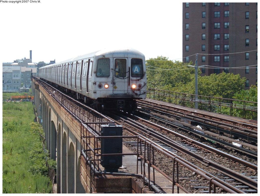 (230k, 1044x788)<br><b>Country:</b> United States<br><b>City:</b> New York<br><b>System:</b> New York City Transit<br><b>Line:</b> IND Rockaway<br><b>Location:</b> Beach 67th Street/Gaston Avenue <br><b>Route:</b> A<br><b>Car:</b> R-44 (St. Louis, 1971-73)  <br><b>Photo by:</b> Chris M.<br><b>Date:</b> 7/27/2007<br><b>Viewed (this week/total):</b> 1 / 1973