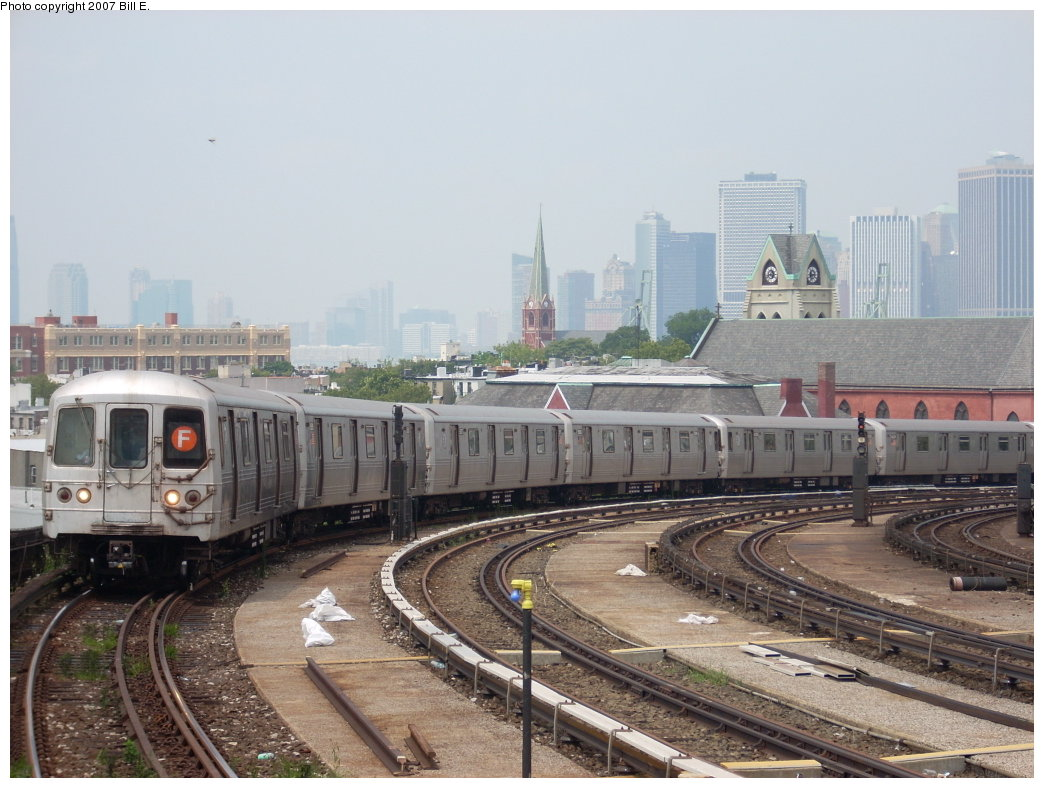 (199k, 1044x788)<br><b>Country:</b> United States<br><b>City:</b> New York<br><b>System:</b> New York City Transit<br><b>Line:</b> IND Crosstown Line<br><b>Location:</b> Smith/9th Street <br><b>Route:</b> F<br><b>Car:</b> R-46 (Pullman-Standard, 1974-75)  <br><b>Photo by:</b> Bill E.<br><b>Date:</b> 7/28/2007<br><b>Viewed (this week/total):</b> 0 / 1815