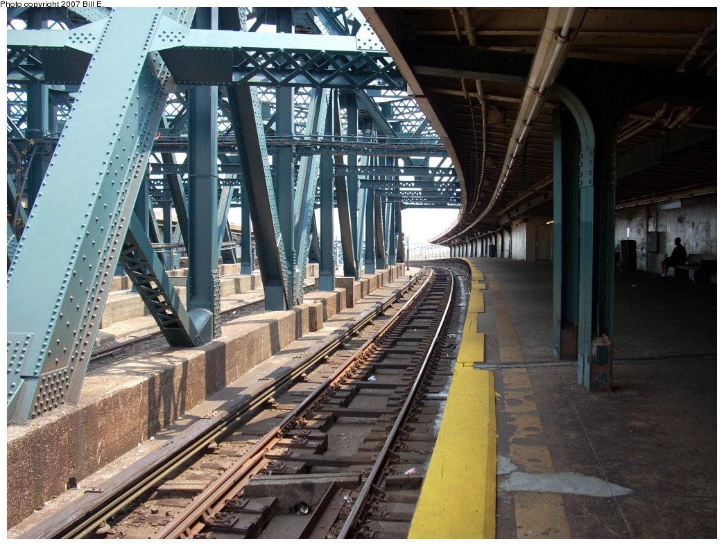 (250k, 1044x788)<br><b>Country:</b> United States<br><b>City:</b> New York<br><b>System:</b> New York City Transit<br><b>Line:</b> IND Crosstown Line<br><b>Location:</b> Smith/9th Street <br><b>Photo by:</b> Bill E.<br><b>Date:</b> 7/28/2007<br><b>Viewed (this week/total):</b> 0 / 1298