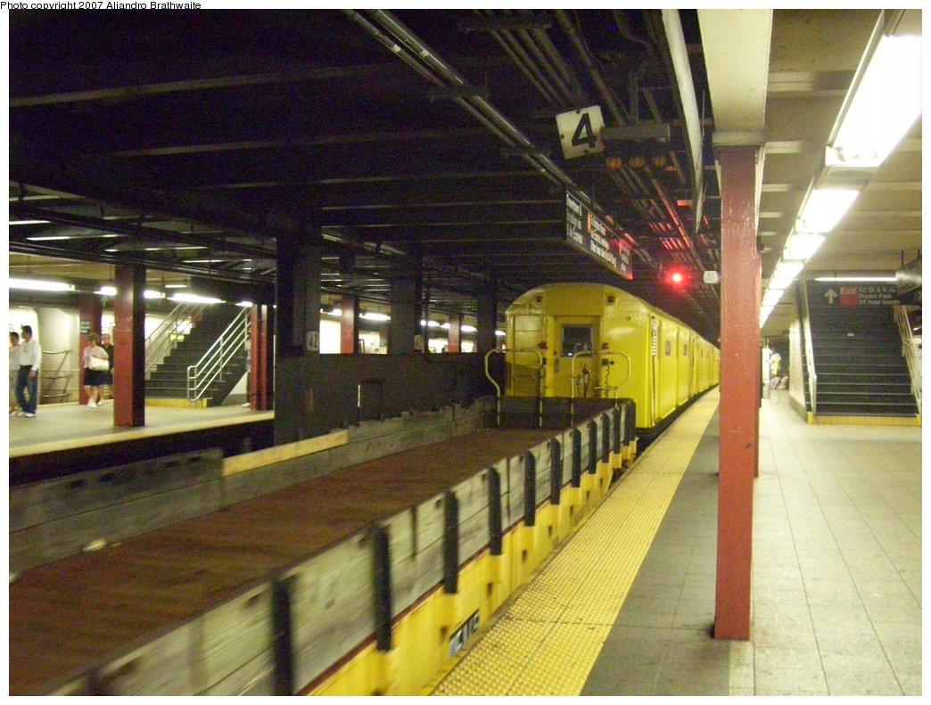 (214k, 1044x791)<br><b>Country:</b> United States<br><b>City:</b> New York<br><b>System:</b> New York City Transit<br><b>Line:</b> IND 6th Avenue Line<br><b>Location:</b> 42nd Street/Bryant Park <br><b>Route:</b> Work Service<br><b>Car:</b> Flat Car 137 <br><b>Photo by:</b> Aliandro Brathwaite<br><b>Date:</b> 7/20/2007<br><b>Viewed (this week/total):</b> 2 / 2706