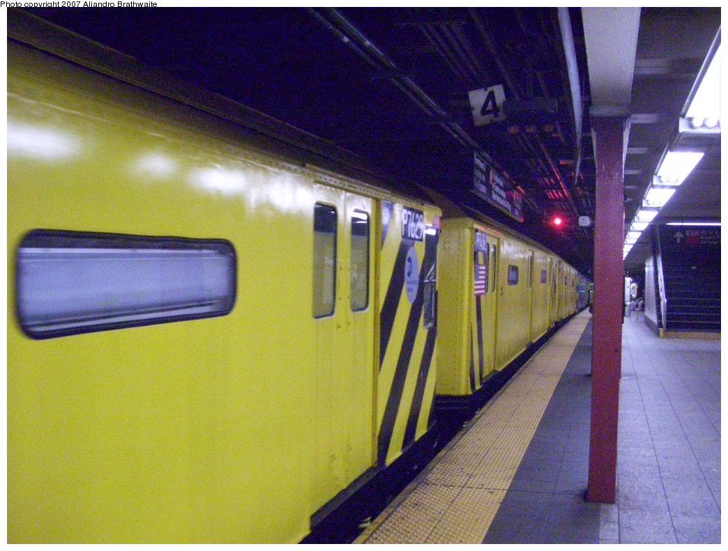 (194k, 1044x791)<br><b>Country:</b> United States<br><b>City:</b> New York<br><b>System:</b> New York City Transit<br><b>Line:</b> IND 6th Avenue Line<br><b>Location:</b> 42nd Street/Bryant Park <br><b>Route:</b> Work Service<br><b>Car:</b> R-71 Pump/Reach Car (R-17/R-21/R-22 Rebuilds) P7629 (ex-7629)<br><b>Photo by:</b> Aliandro Brathwaite<br><b>Date:</b> 7/20/2007<br><b>Viewed (this week/total):</b> 1 / 4436