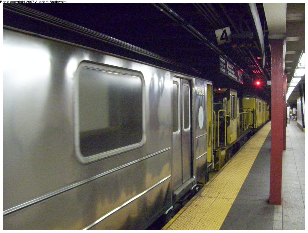 (194k, 1044x791)<br><b>Country:</b> United States<br><b>City:</b> New York<br><b>System:</b> New York City Transit<br><b>Line:</b> IND 6th Avenue Line<br><b>Location:</b> 42nd Street/Bryant Park <br><b>Route:</b> Work Service<br><b>Car:</b> R-65 Pump Car 02 <br><b>Photo by:</b> Aliandro Brathwaite<br><b>Date:</b> 7/20/2007<br><b>Viewed (this week/total):</b> 0 / 3968