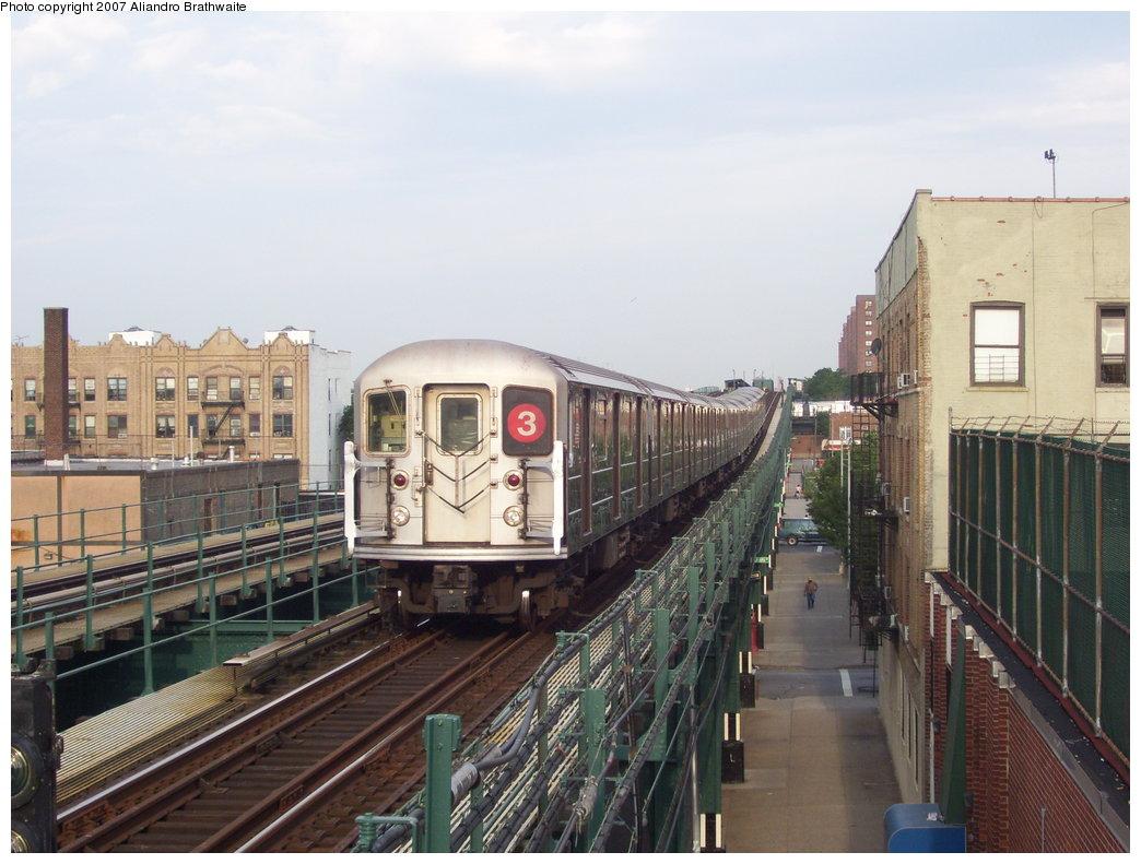(181k, 1044x791)<br><b>Country:</b> United States<br><b>City:</b> New York<br><b>System:</b> New York City Transit<br><b>Line:</b> IRT Brooklyn Line<br><b>Location:</b> Pennsylvania Avenue <br><b>Route:</b> 3<br><b>Car:</b> R-62 (Kawasaki, 1983-1985)  1385 <br><b>Photo by:</b> Aliandro Brathwaite<br><b>Date:</b> 7/20/2007<br><b>Viewed (this week/total):</b> 6 / 3119