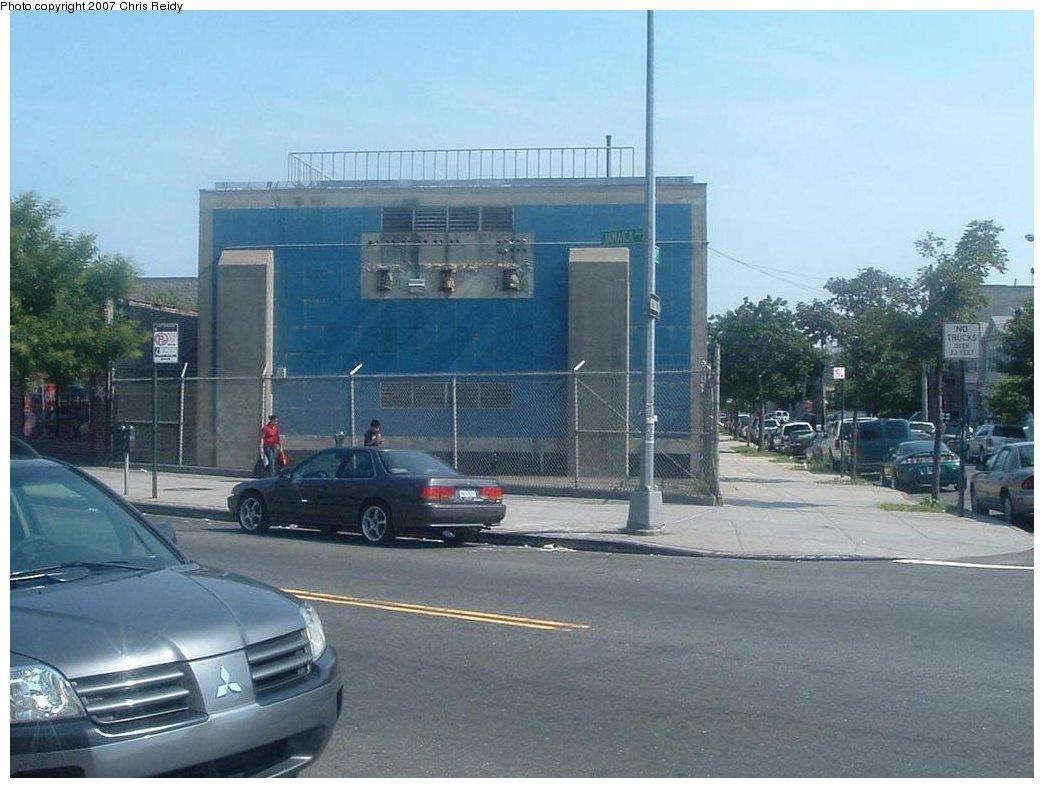(147k, 1044x788)<br><b>Country:</b> United States<br><b>City:</b> New York<br><b>System:</b> New York City Transit<br><b>Line:</b> BMT Nassau Street/Jamaica Line<br><b>Location:</b> Sutphin Boulevard (Demolished) <br><b>Photo by:</b> Chris Reidy<br><b>Date:</b> 7/14/2007<br><b>Notes:</b> Substation located along the former Sutphin Blvd. station.<br><b>Viewed (this week/total):</b> 0 / 5279