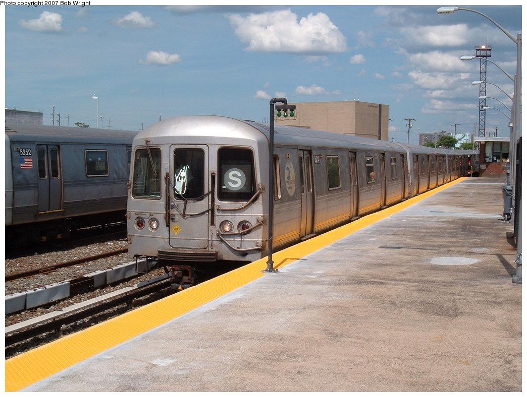 (190k, 1044x788)<br><b>Country:</b> United States<br><b>City:</b> New York<br><b>System:</b> New York City Transit<br><b>Line:</b> IND Rockaway<br><b>Location:</b> Rockaway Park/Beach 116th Street <br><b>Route:</b> S<br><b>Car:</b> R-44 (St. Louis, 1971-73) 5214 <br><b>Photo by:</b> Bob Wright<br><b>Date:</b> 7/22/2007<br><b>Viewed (this week/total):</b> 0 / 1571