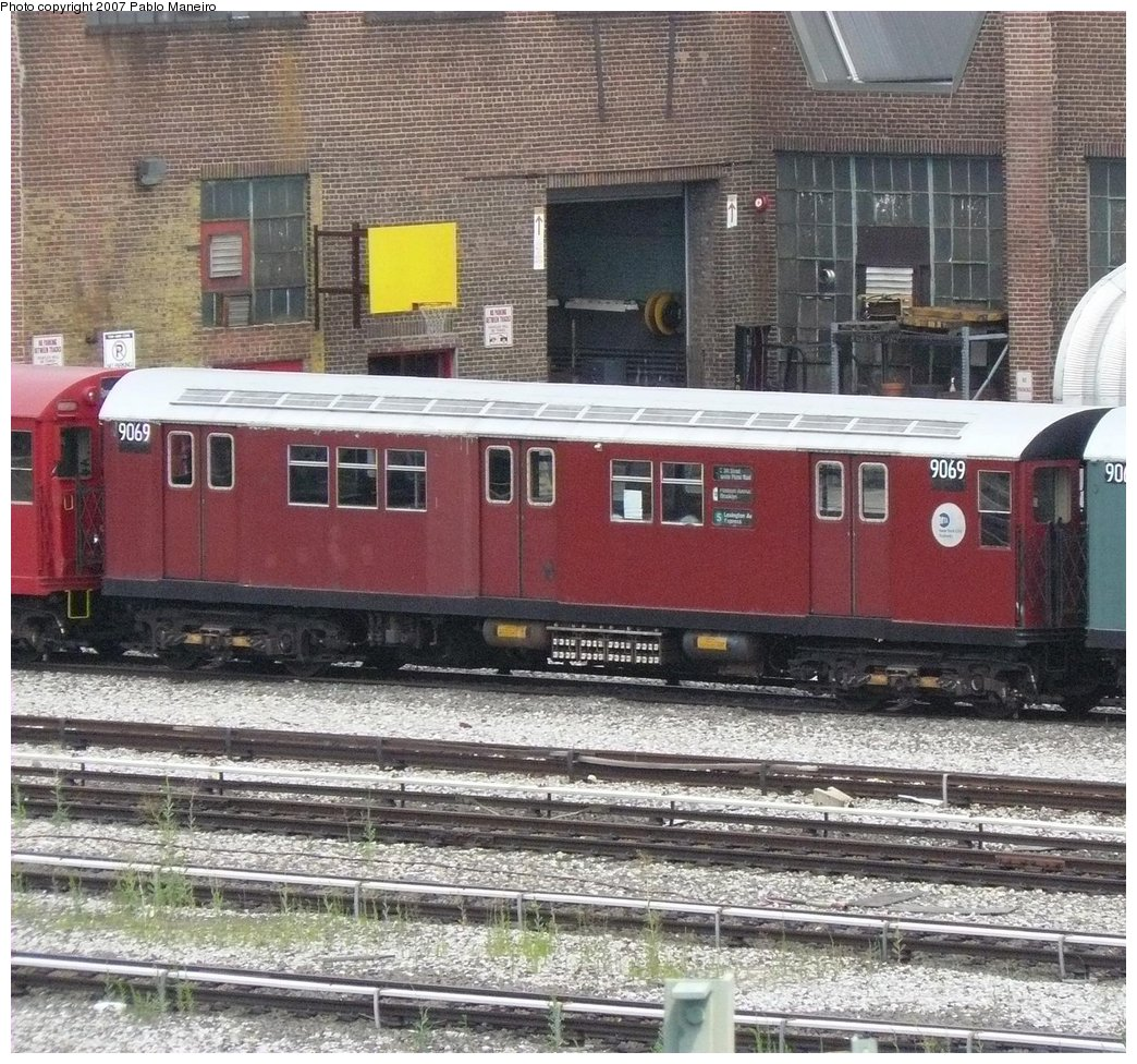 (283k, 1044x976)<br><b>Country:</b> United States<br><b>City:</b> New York<br><b>System:</b> New York City Transit<br><b>Location:</b> 207th Street Yard<br><b>Car:</b> R-33 Main Line (St. Louis, 1962-63) 9069 <br><b>Photo by:</b> Pablo Maneiro<br><b>Date:</b> 7/27/2007<br><b>Viewed (this week/total):</b> 0 / 1465