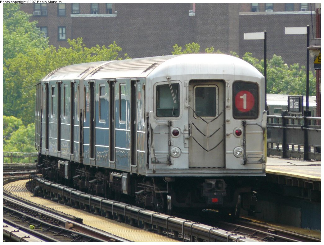 (194k, 1044x788)<br><b>Country:</b> United States<br><b>City:</b> New York<br><b>System:</b> New York City Transit<br><b>Line:</b> IRT West Side Line<br><b>Location:</b> 207th Street <br><b>Route:</b> 1<br><b>Car:</b> R-62A (Bombardier, 1984-1987)  1860 <br><b>Photo by:</b> Pablo Maneiro<br><b>Date:</b> 7/27/2007<br><b>Viewed (this week/total):</b> 5 / 2167