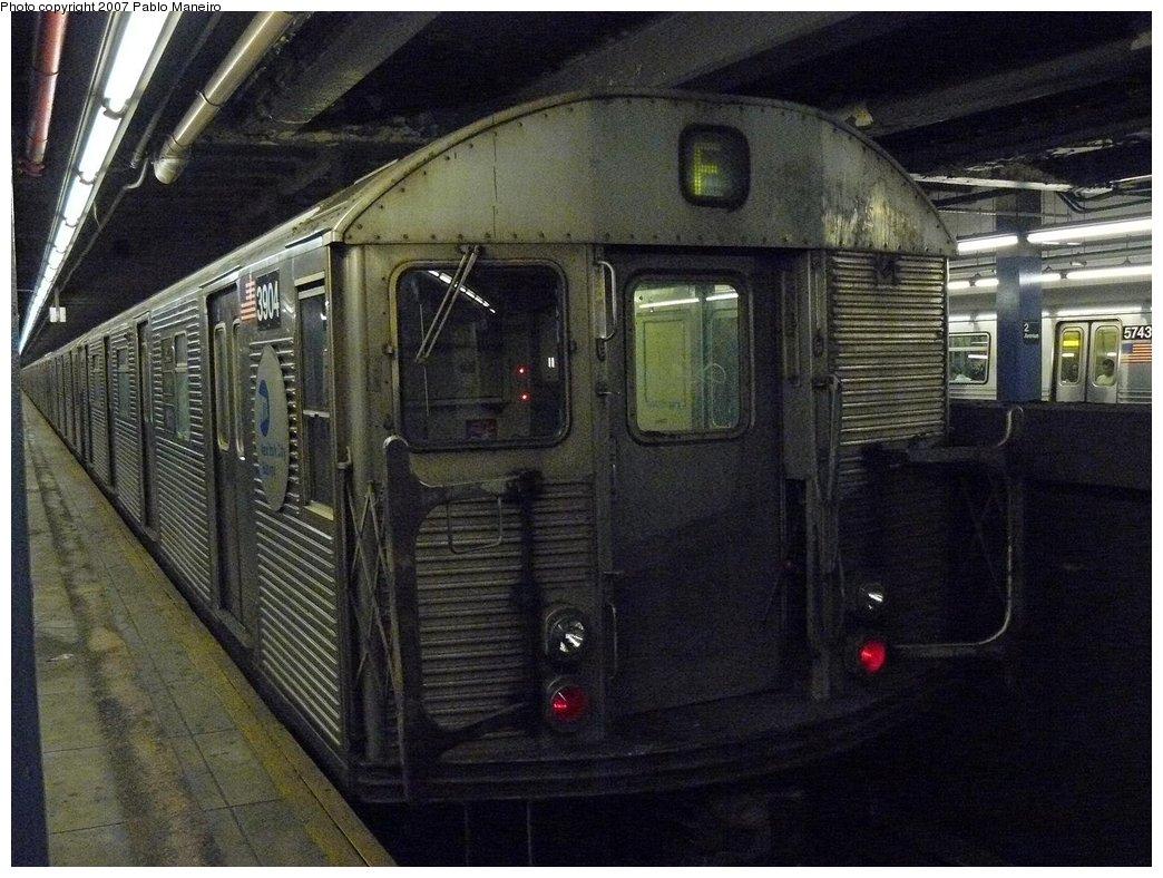 (196k, 1044x788)<br><b>Country:</b> United States<br><b>City:</b> New York<br><b>System:</b> New York City Transit<br><b>Line:</b> IND 6th Avenue Line<br><b>Location:</b> 2nd Avenue <br><b>Route:</b> F<br><b>Car:</b> R-32 (Budd, 1964)  3904 <br><b>Photo by:</b> Pablo Maneiro<br><b>Date:</b> 7/27/2007<br><b>Viewed (this week/total):</b> 0 / 1922