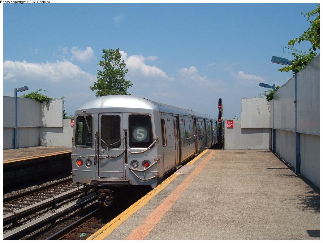 (174k, 1044x788)<br><b>Country:</b> United States<br><b>City:</b> New York<br><b>System:</b> New York City Transit<br><b>Line:</b> IND Rockaway<br><b>Location:</b> Broad Channel <br><b>Route:</b> S<br><b>Car:</b> R-44 (St. Louis, 1971-73) 5474 <br><b>Photo by:</b> Chris M.<br><b>Date:</b> 6/16/2007<br><b>Viewed (this week/total):</b> 3 / 1570