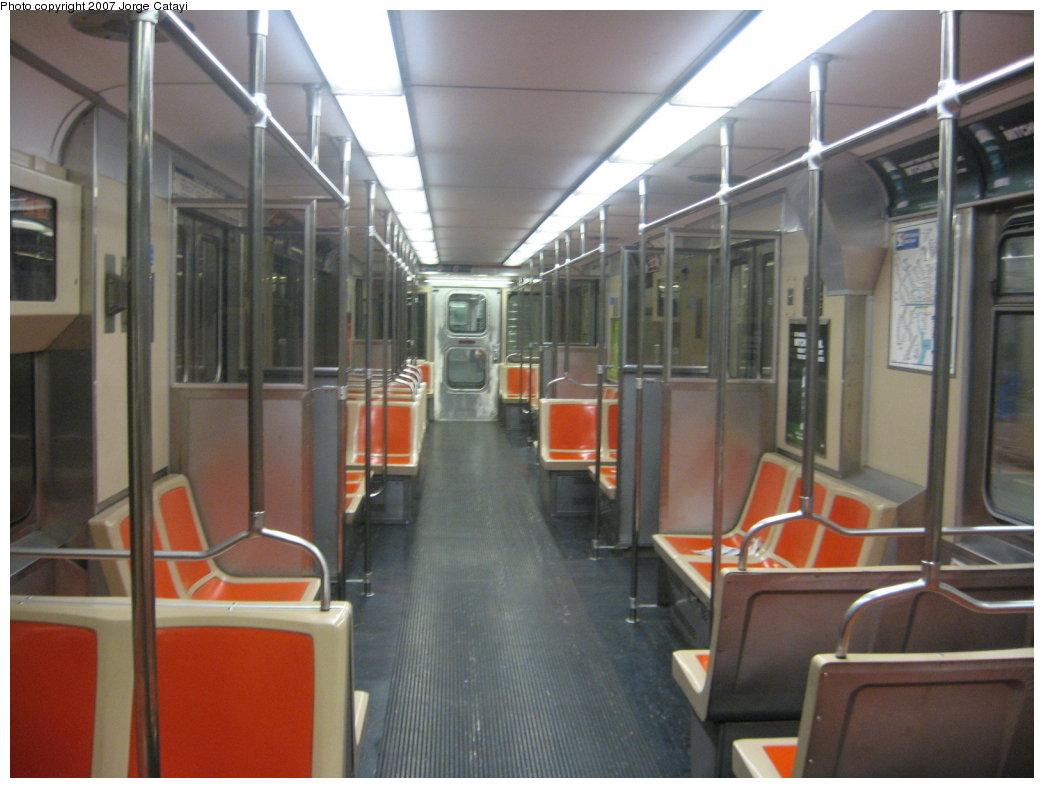 (144k, 1044x788)<br><b>Country:</b> United States<br><b>City:</b> Philadelphia, PA<br><b>System:</b> SEPTA (or Predecessor)<br><b>Line:</b> Broad Street Subway<br><b>Location:</b> Broad Street Subway-Rolling Stock Interiors <br><b>Car:</b> SEPTA B-4 (Kawasaki, 1982)   <br><b>Photo by:</b> Jorge Catayi<br><b>Date:</b> 7/12/2007<br><b>Viewed (this week/total):</b> 2 / 2224