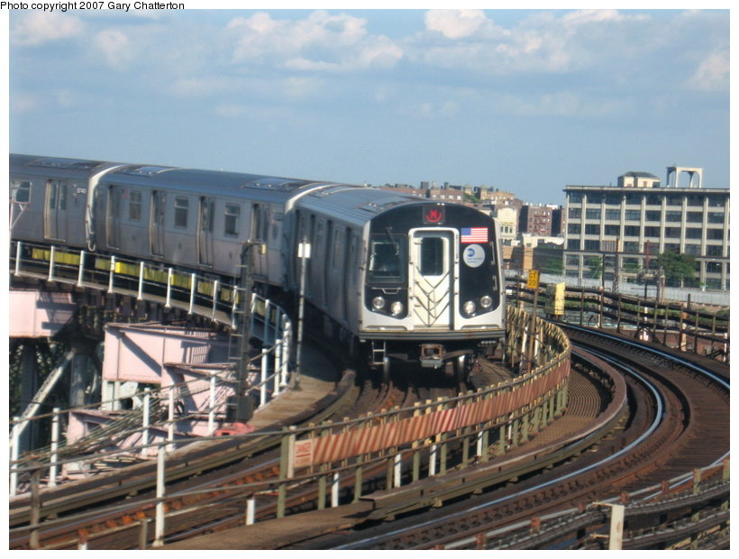 (118k, 820x620)<br><b>Country:</b> United States<br><b>City:</b> New York<br><b>System:</b> New York City Transit<br><b>Line:</b> BMT Astoria Line<br><b>Location:</b> Queensborough Plaza <br><b>Route:</b> N<br><b>Car:</b> R-160B (Kawasaki, 2005-2008)  8742 <br><b>Photo by:</b> Gary Chatterton<br><b>Date:</b> 7/31/2007<br><b>Viewed (this week/total):</b> 1 / 2773
