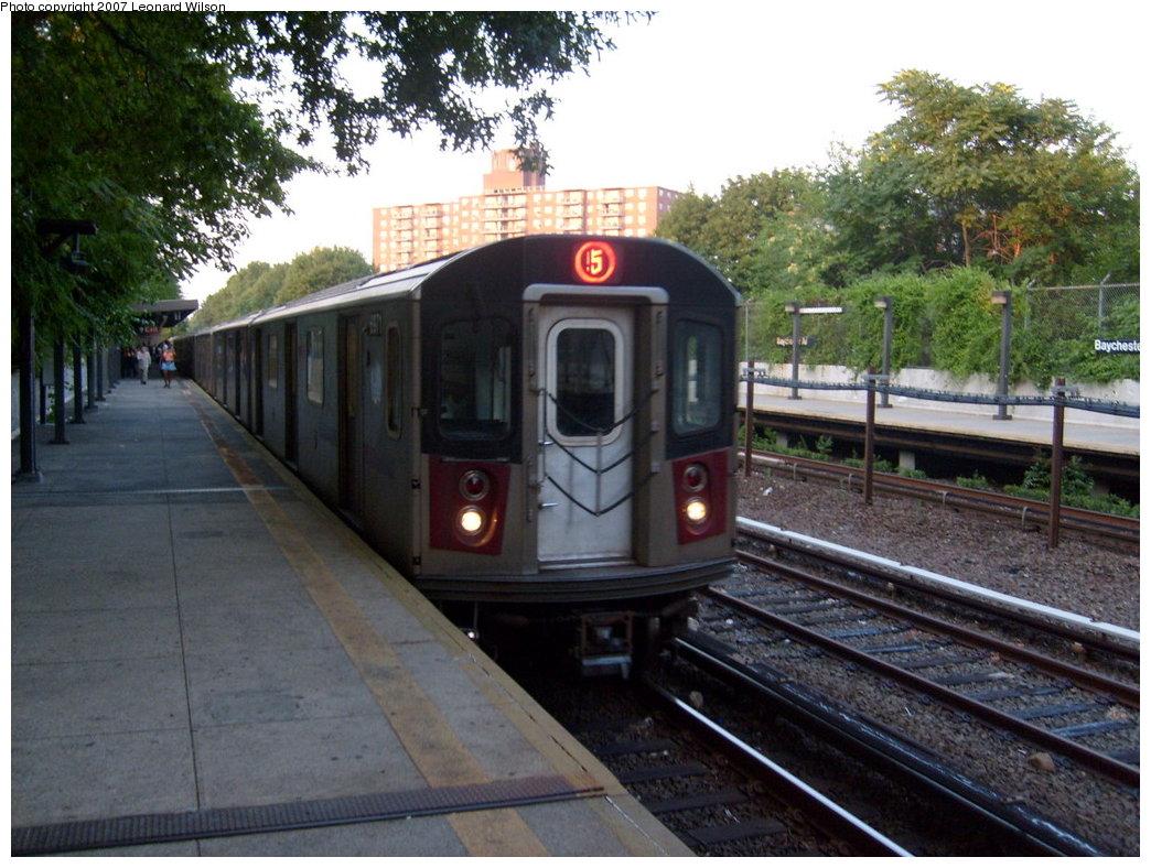(225k, 1044x788)<br><b>Country:</b> United States<br><b>City:</b> New York<br><b>System:</b> New York City Transit<br><b>Line:</b> IRT Dyre Ave. Line<br><b>Location:</b> Baychester Avenue <br><b>Route:</b> 5<br><b>Car:</b> R-142 or R-142A (Number Unknown)  <br><b>Photo by:</b> Leonard Wilson<br><b>Date:</b> 8/2/2007<br><b>Viewed (this week/total):</b> 0 / 2636