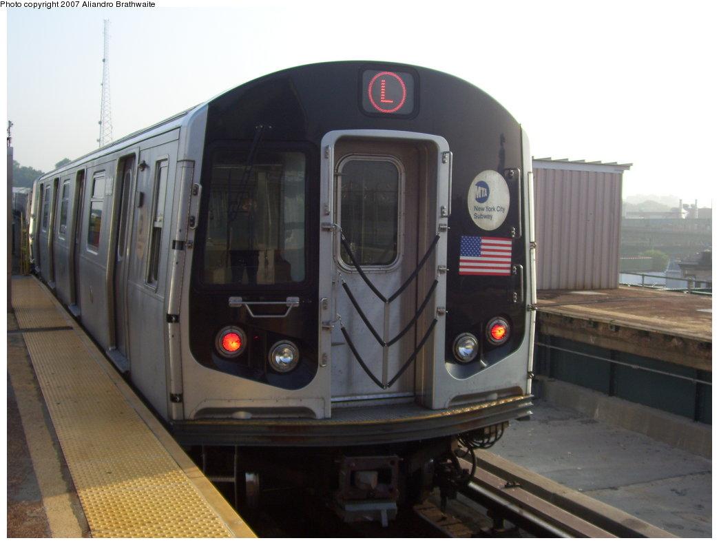 (135k, 1044x791)<br><b>Country:</b> United States<br><b>City:</b> New York<br><b>System:</b> New York City Transit<br><b>Line:</b> BMT Canarsie Line<br><b>Location:</b> Atlantic Avenue <br><b>Route:</b> L<br><b>Car:</b> R-143 (Kawasaki, 2001-2002) 8112 <br><b>Photo by:</b> Aliandro Brathwaite<br><b>Date:</b> 7/30/2007<br><b>Viewed (this week/total):</b> 1 / 3118