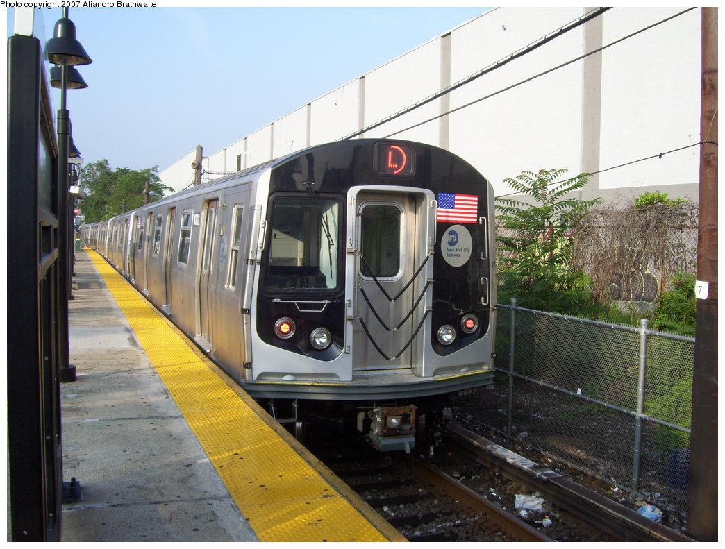 (208k, 1044x791)<br><b>Country:</b> United States<br><b>City:</b> New York<br><b>System:</b> New York City Transit<br><b>Line:</b> BMT Canarsie Line<br><b>Location:</b> East 105th Street <br><b>Route:</b> L<br><b>Car:</b> R-160A-1 (Alstom, 2005-2008, 4 car sets)  8332 <br><b>Photo by:</b> Aliandro Brathwaite<br><b>Date:</b> 7/30/2007<br><b>Viewed (this week/total):</b> 1 / 2635