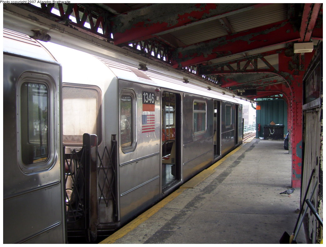 (183k, 1044x791)<br><b>Country:</b> United States<br><b>City:</b> New York<br><b>System:</b> New York City Transit<br><b>Line:</b> IRT Brooklyn Line<br><b>Location:</b> New Lots Avenue <br><b>Route:</b> 3<br><b>Car:</b> R-62 (Kawasaki, 1983-1985)  1346 <br><b>Photo by:</b> Aliandro Brathwaite<br><b>Date:</b> 7/30/2007<br><b>Viewed (this week/total):</b> 0 / 3250
