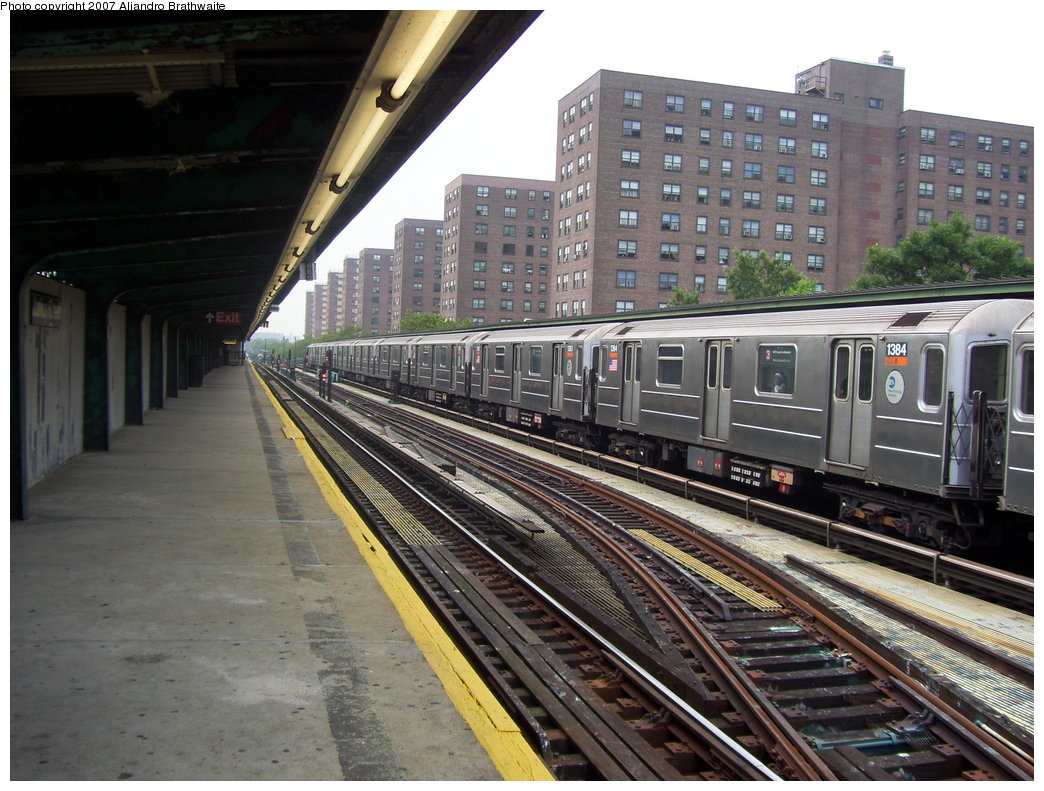 (217k, 1044x791)<br><b>Country:</b> United States<br><b>City:</b> New York<br><b>System:</b> New York City Transit<br><b>Line:</b> IRT Brooklyn Line<br><b>Location:</b> Junius Street <br><b>Route:</b> 3<br><b>Car:</b> R-62 (Kawasaki, 1983-1985)  1384 <br><b>Photo by:</b> Aliandro Brathwaite<br><b>Date:</b> 7/30/2007<br><b>Viewed (this week/total):</b> 0 / 3474