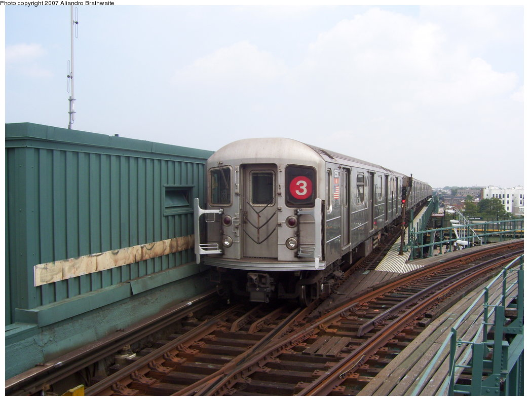 (162k, 1044x791)<br><b>Country:</b> United States<br><b>City:</b> New York<br><b>System:</b> New York City Transit<br><b>Line:</b> IRT Brooklyn Line<br><b>Location:</b> Junius Street <br><b>Route:</b> 3<br><b>Car:</b> R-62 (Kawasaki, 1983-1985)  1556 <br><b>Photo by:</b> Aliandro Brathwaite<br><b>Date:</b> 7/30/2007<br><b>Viewed (this week/total):</b> 0 / 3523