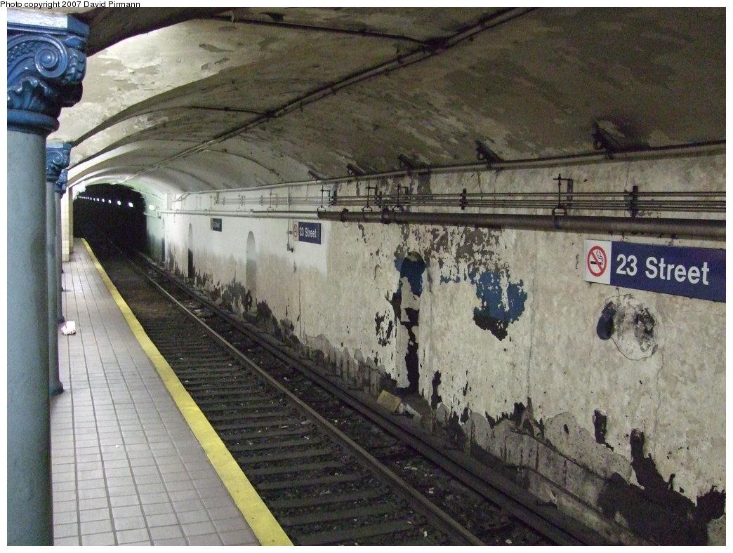 (200k, 1044x788)<br><b>Country:</b> United States<br><b>City:</b> New York<br><b>System:</b> PATH<br><b>Location:</b> 23rd Street <br><b>Photo by:</b> David Pirmann<br><b>Date:</b> 7/26/2007<br><b>Viewed (this week/total):</b> 0 / 3614