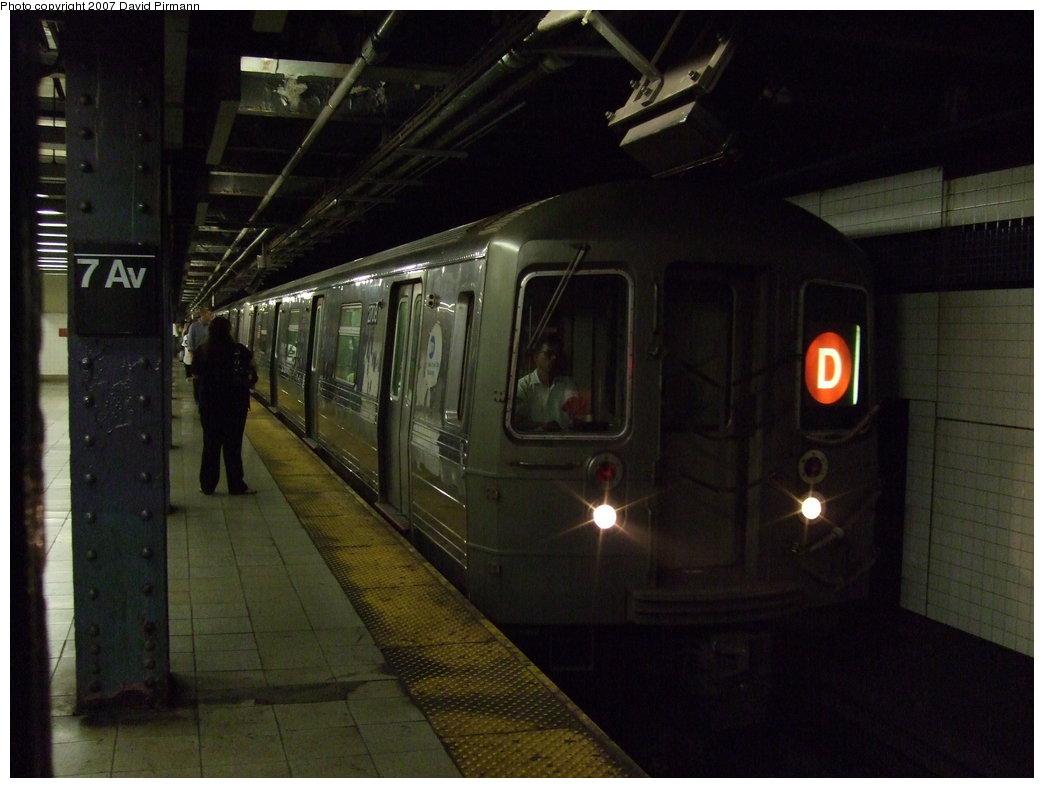 (140k, 1044x788)<br><b>Country:</b> United States<br><b>City:</b> New York<br><b>System:</b> New York City Transit<br><b>Line:</b> IND Queens Boulevard Line<br><b>Location:</b> 7th Avenue/53rd Street <br><b>Route:</b> D<br><b>Car:</b> R-68 (Westinghouse-Amrail, 1986-1988)  2708 <br><b>Photo by:</b> David Pirmann<br><b>Date:</b> 8/3/2007<br><b>Viewed (this week/total):</b> 1 / 2325