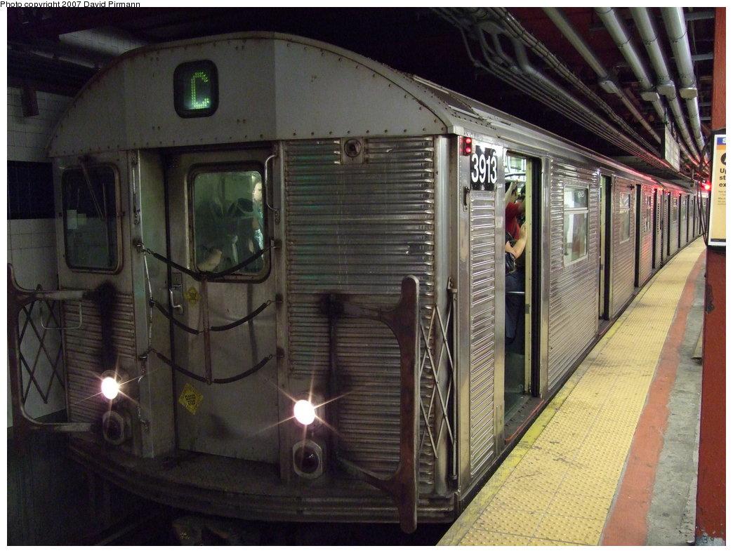 (187k, 1044x788)<br><b>Country:</b> United States<br><b>City:</b> New York<br><b>System:</b> New York City Transit<br><b>Line:</b> IND 8th Avenue Line<br><b>Location:</b> 59th Street/Columbus Circle <br><b>Route:</b> C<br><b>Car:</b> R-32 (Budd, 1964)  3913 <br><b>Photo by:</b> David Pirmann<br><b>Date:</b> 8/3/2007<br><b>Viewed (this week/total):</b> 1 / 2250