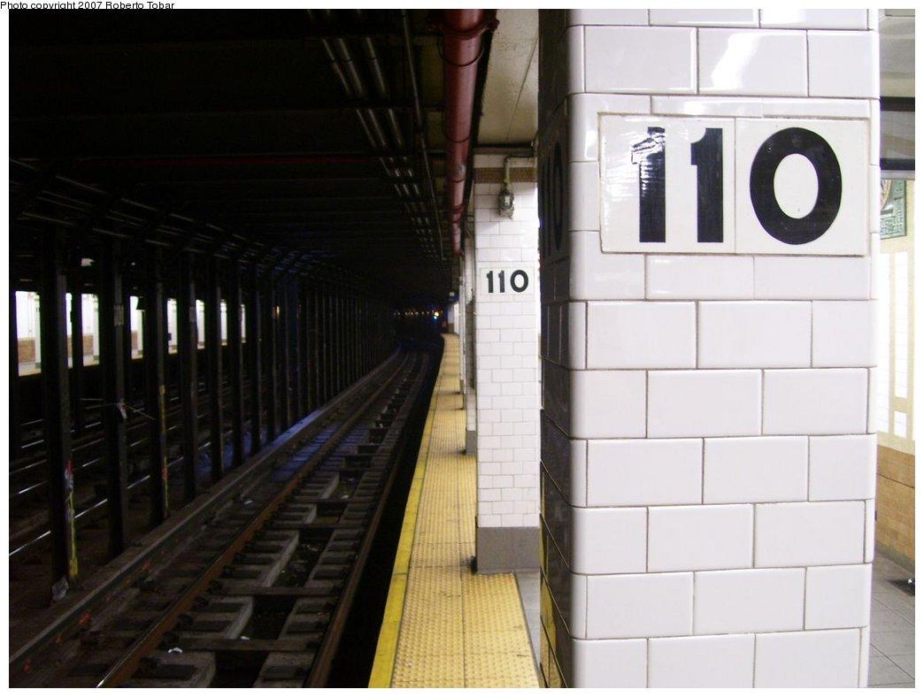 (120k, 1044x788)<br><b>Country:</b> United States<br><b>City:</b> New York<br><b>System:</b> New York City Transit<br><b>Line:</b> IRT West Side Line<br><b>Location:</b> 110th Street <br><b>Photo by:</b> Roberto C. Tobar<br><b>Date:</b> 8/4/2007<br><b>Viewed (this week/total):</b> 1 / 2379